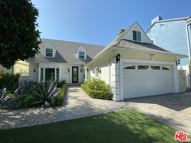 Photo of 719 N DOHENY DR, BEVERLY HILLS, CA 90210