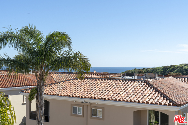 23967 DE VILLE WAY, MALIBU, California 90265, 2 Bedrooms Bedrooms, ,3 BathroomsBathrooms,Residential,For Sale,DE VILLE,19-508874