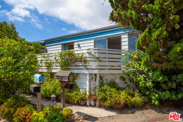 227 Paradise Cove RD, MALIBU, California 90265, 2 Bedrooms Bedrooms, ,2 BathroomsBathrooms,Manufactured In Park,For Sale,Paradise Cove,19-509770