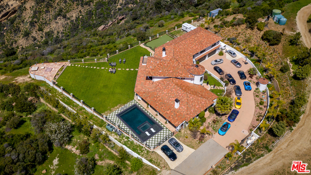 24573 PIUMA RD, MALIBU, California 90265, 7 Bedrooms Bedrooms, ,6 BathroomsBathrooms,Residential Lease,For Sale,PIUMA,19-521838
