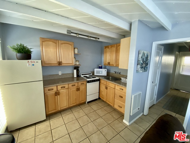22669 PACIFIC COAST HWY, MALIBU, California 90265, 1 Bedroom Bedrooms, ,1 BathroomBathrooms,Residential Lease,For Sale,PACIFIC COAST,19-527390