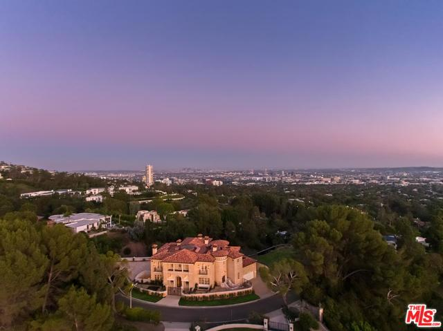 1142 Calle Vista Dr Beverly Hills, CA 90210