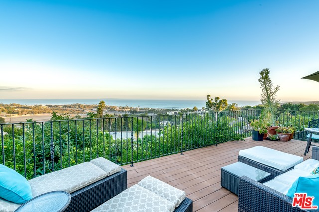 3504 COAST VIEW DR, MALIBU, California 90265, 4 Bedrooms Bedrooms, ,4 BathroomsBathrooms,Residential Lease,For Sale,COAST VIEW,19-536224