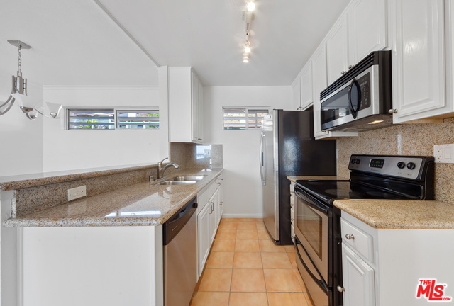 26664 SEAGULL WAY, MALIBU, California 90265, 1 Bedroom Bedrooms, ,1 BathroomBathrooms,Residential,For Sale,SEAGULL,19-536832
