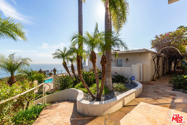 27400 PACIFIC COAST HWY, MALIBU, California 90265, 1 Bedroom Bedrooms, ,1 BathroomBathrooms,Residential Lease,For Sale,PACIFIC COAST,19-537492