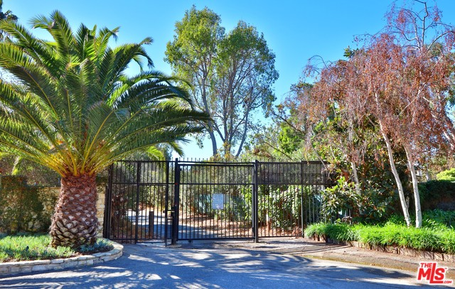 6628 ZUMIREZ DR, MALIBU, California 90265, ,Land,For Sale,ZUMIREZ,19-538556