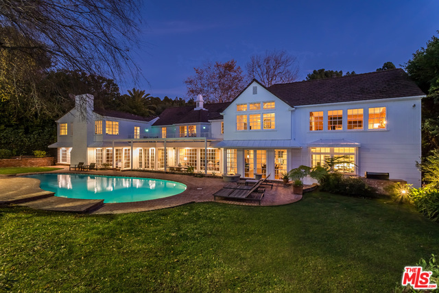 Photo of 1027 SUMMIT DR, BEVERLY HILLS, CA 90210