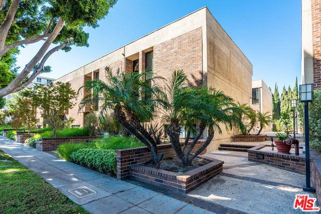 Photo of 9319 BURTON WAY #B, BEVERLY HILLS, CA 90210