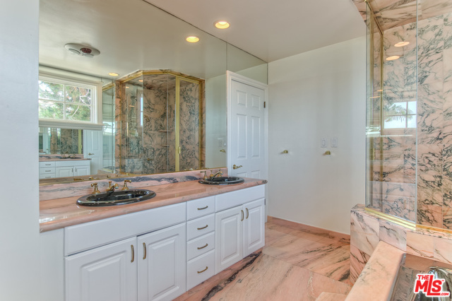18056 COASTLINE DR, MALIBU, California 90265, 3 Bedrooms Bedrooms, ,3 BathroomsBathrooms,Residential Lease,For Sale,COASTLINE,20-544506