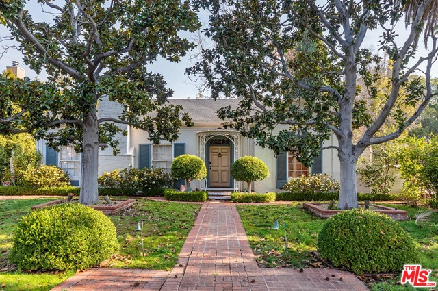 Photo of 606 N CRESCENT DR, BEVERLY HILLS, CA 90210