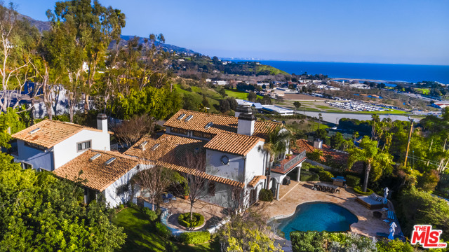 3453 COAST VIEW DR, MALIBU, California 90265, 6 Bedrooms Bedrooms, ,7 BathroomsBathrooms,Residential,For Sale,COAST VIEW,20-544848