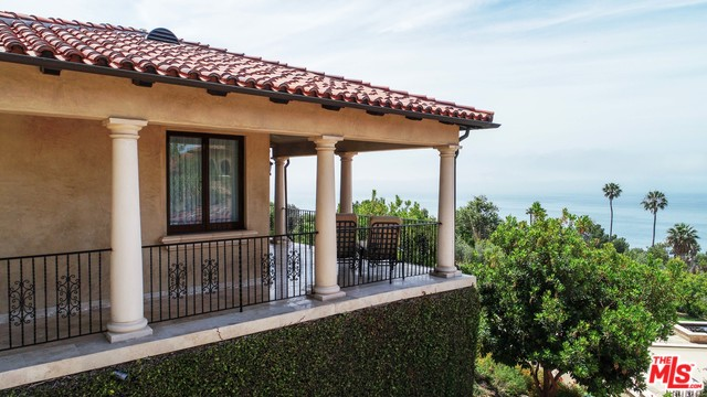 RD, MALIBU, California 90265, 2 Bedrooms Bedrooms, ,2 BathroomsBathrooms,Residential Lease,For Sale,20-546464