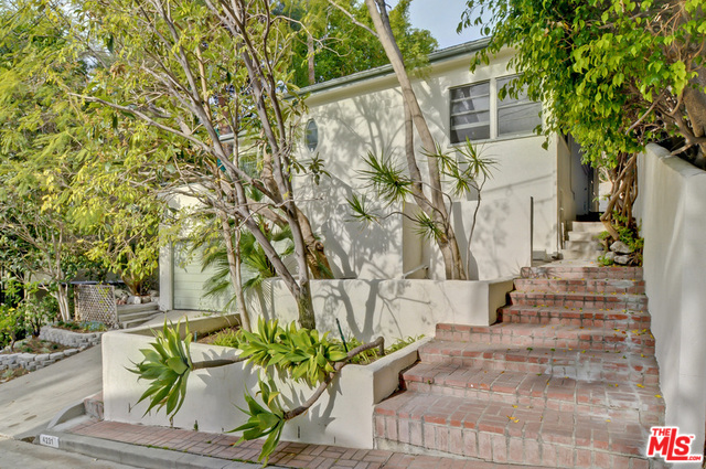 Photo of 4231 NEWDALE DR, LOS ANGELES, CA 90027