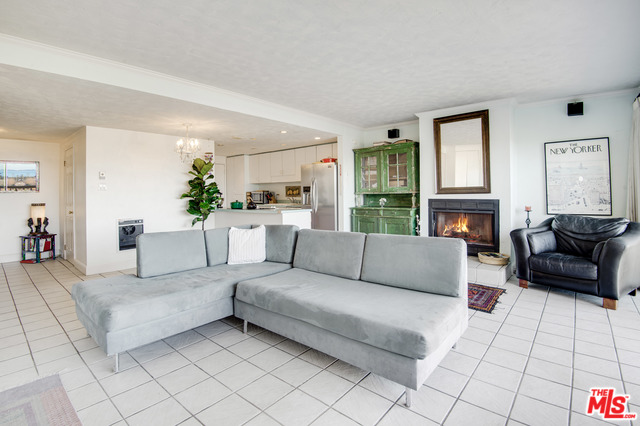 23910 DE VILLE WAY, MALIBU, California 90265, 2 Bedrooms Bedrooms, ,2 BathroomsBathrooms,Residential,For Sale,DE VILLE,20-548818