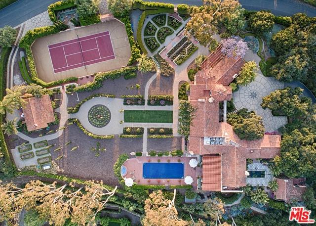 296 Las Entradas Dr Santa Barbara, CA 93108