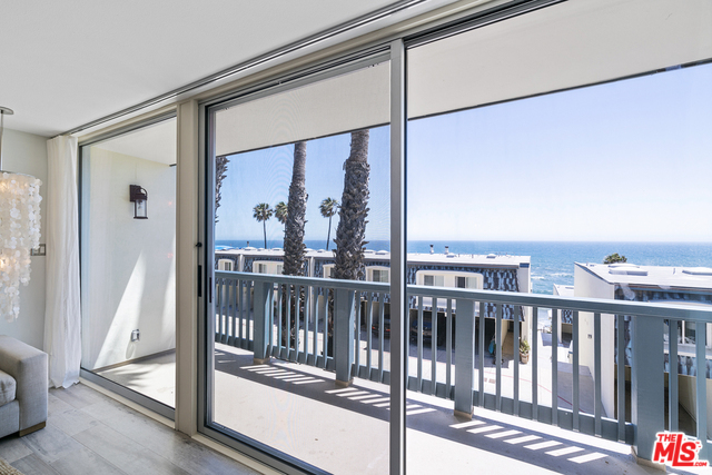 11938 OCEANAIRE LN, MALIBU, California 90265, 2 Bedrooms Bedrooms, ,2 BathroomsBathrooms,Residential Lease,For Sale,OCEANAIRE,20-548954