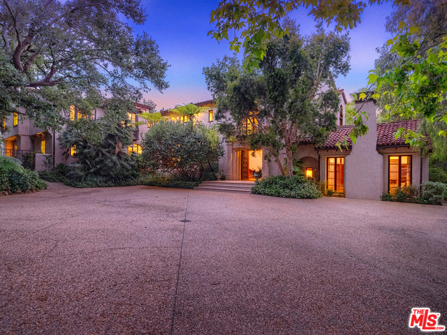 Photo of 580 N BEVERLY GLEN, LOS ANGELES, CA 90077