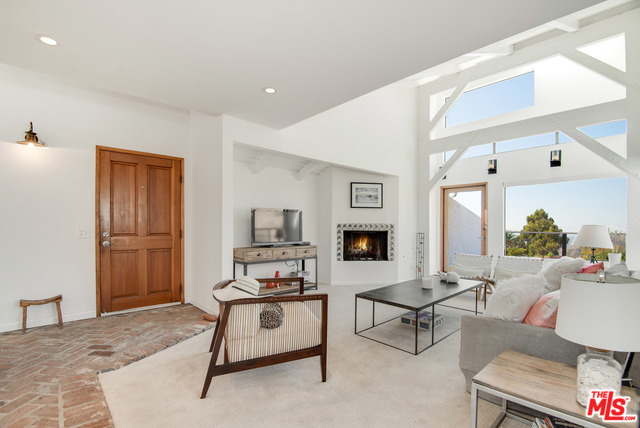2919 VALMERE DR, MALIBU, California 90265, 3 Bedrooms Bedrooms, ,4 BathroomsBathrooms,Residential,For Sale,VALMERE,20-550970