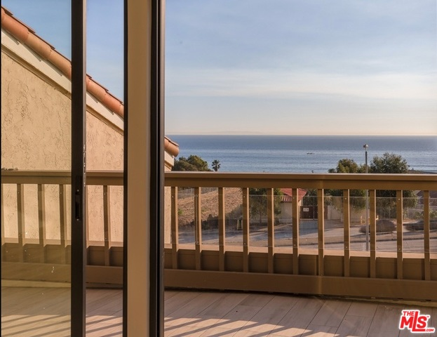 23916 DE VILLE WAY, MALIBU, California 90265, 2 Bedrooms Bedrooms, ,2 BathroomsBathrooms,Residential Lease,For Sale,DE VILLE,20-551992