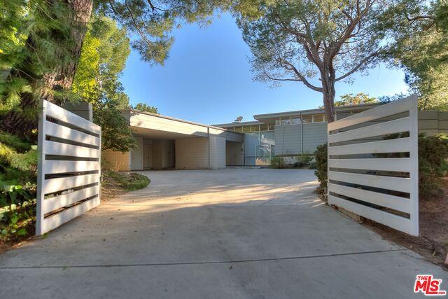 Photo of 1700 CARLA RIDGE RDG, BEVERLY HILLS, CA 90210