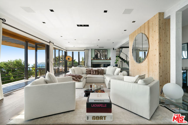 3900 VILLA COSTERA, MALIBU, California 90265, 5 Bedrooms Bedrooms, ,6 BathroomsBathrooms,Residential,For Sale,VILLA COSTERA,20-552428