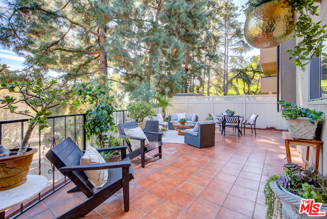 Photo of 6700 HILLPARK DR #102, LOS ANGELES, CA 90068