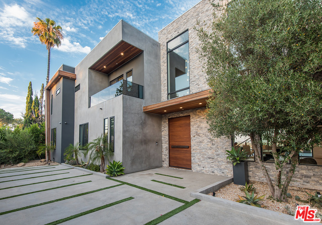 Photo of 2484 ROSCOMARE RD, LOS ANGELES, CA 90077