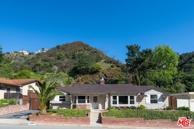 Photo of 1808 ROSCOMARE RD, LOS ANGELES, CA 90077