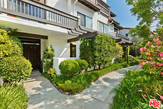 Photo of 1544 MICHAEL LN, PACIFIC PALISADES, CA 90272