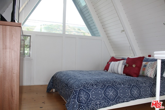 11446 PACIFIC COAST HWY, MALIBU, California 90265, 1 Bedroom Bedrooms, ,1 BathroomBathrooms,Residential Lease,For Sale,PACIFIC COAST,20-556734