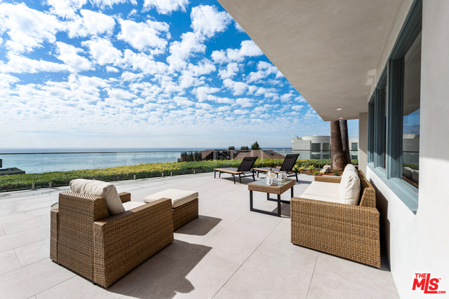 32054 PACIFIC COAST HIGHWAY, MALIBU, California 90265, 4 Bedrooms Bedrooms, ,3 BathroomsBathrooms,Residential Lease,For Sale,PACIFIC COAST HIGHWAY,20-559896