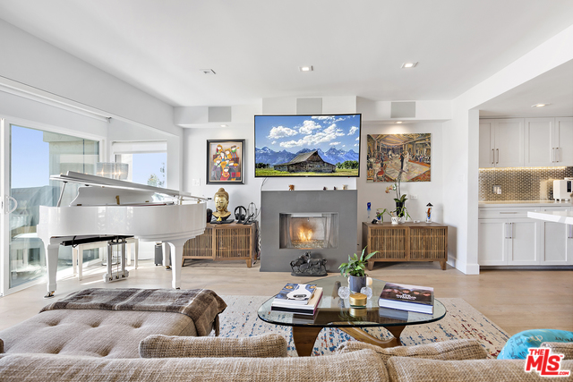 23910 DE VILLE WAY, MALIBU, California 90265, 2 Bedrooms Bedrooms, ,2 BathroomsBathrooms,Residential Lease,For Sale,DE VILLE,20-560198