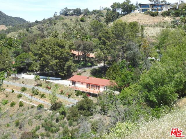 Photo of 1661 FERRARI DR, BEVERLY HILLS, CA 90210