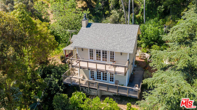 Photo of 14600 ROUND VALLEY DR, SHERMAN OAKS, CA 91403