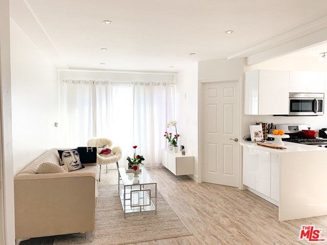 Photo of 1318 N CRESCENT HEIGHTS #210, WEST HOLLYWOOD, CA 90046