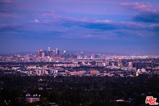 Photo of 940 STRADELLA RD, LOS ANGELES, CA 90077