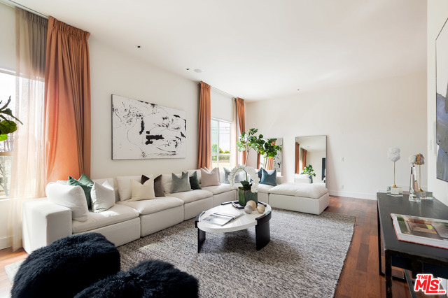 Photo of 155 S ELM DR #302, BEVERLY HILLS, CA 90212