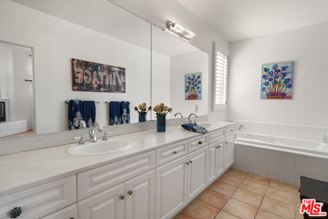 Address not available!, 2 Bedrooms Bedrooms, ,3 BathroomsBathrooms,Residential Lease,For Sale,ZUMIREZ,20-569382