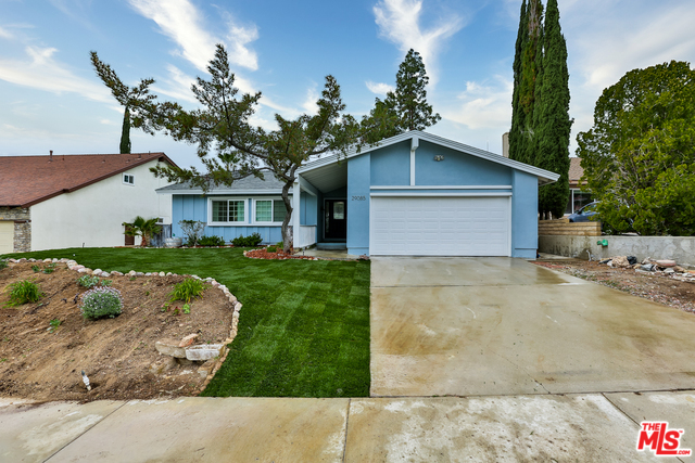 Photo of 29085 LOTUSGARDEN DR, CANYON COUNTRY, CA 91387