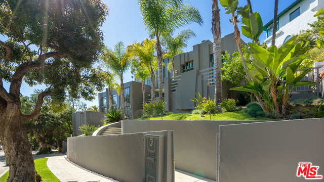 Photo of 4119 DUNDEE DR, LOS ANGELES, CA 90027
