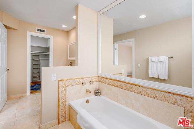 Address not available!, 2 Bedrooms Bedrooms, ,3 BathroomsBathrooms,Residential,For Sale,REY DE COPAS,20-570964