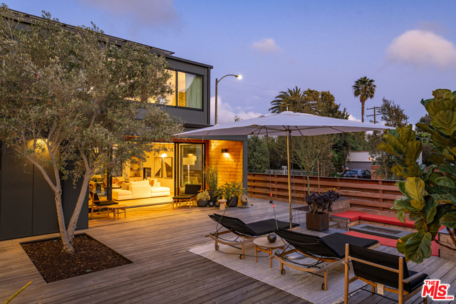 Photo of 3866 COOLIDGE AVE, LOS ANGELES, CA 90066