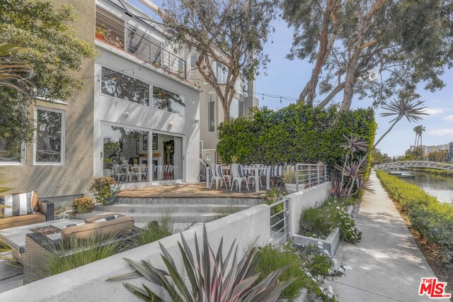 Photo of 2331 EASTERN CANAL, VENICE, CA 90291