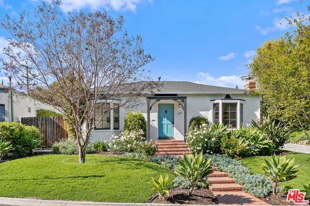 Photo of 4003 HOLLY KNOLL DR, LOS ANGELES, CA 90027