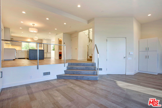 Address not available!, 2 Bedrooms Bedrooms, ,3 BathroomsBathrooms,Residential Lease,For Sale,RAMBLA VISTA,20-572298