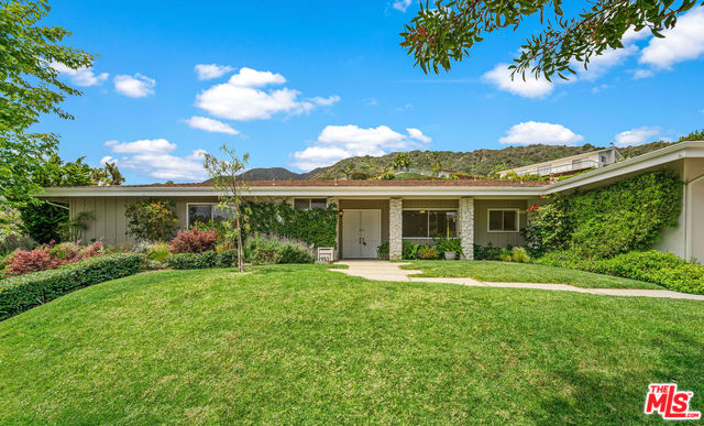 Photo of 375 SURFVIEW DR, PACIFIC PALISADES, CA 90272