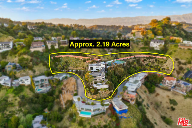 Photo of 2100 SUNSET PLAZA DR, LOS ANGELES, CA 90069