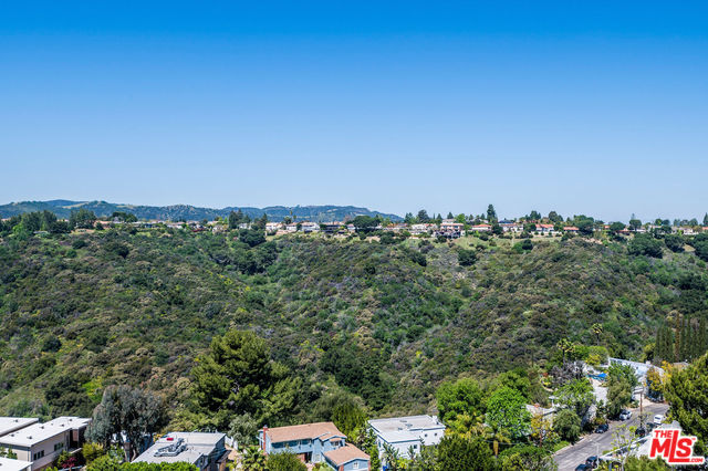 Photo of 2385 ROSCOMARE RD #D7, LOS ANGELES, CA 90077