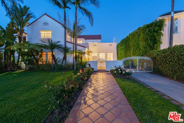 Photo of 236 S RODEO DR, BEVERLY HILLS, CA 90212