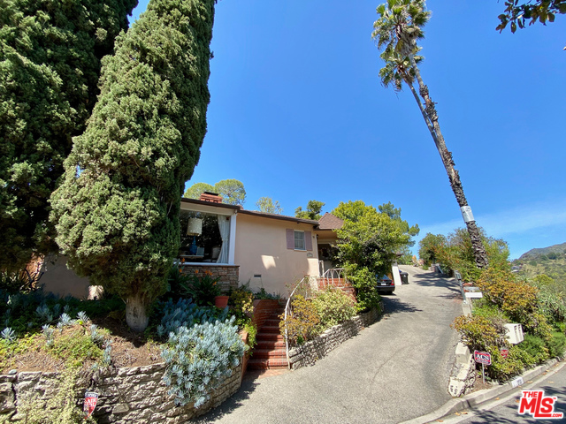 Photo of 2511 MOUNT BEACON TER, LOS ANGELES, CA 90068